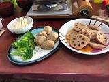 の蒸し物レンコンの煮物、サトイモの煮物、ブロッコリー.jpg